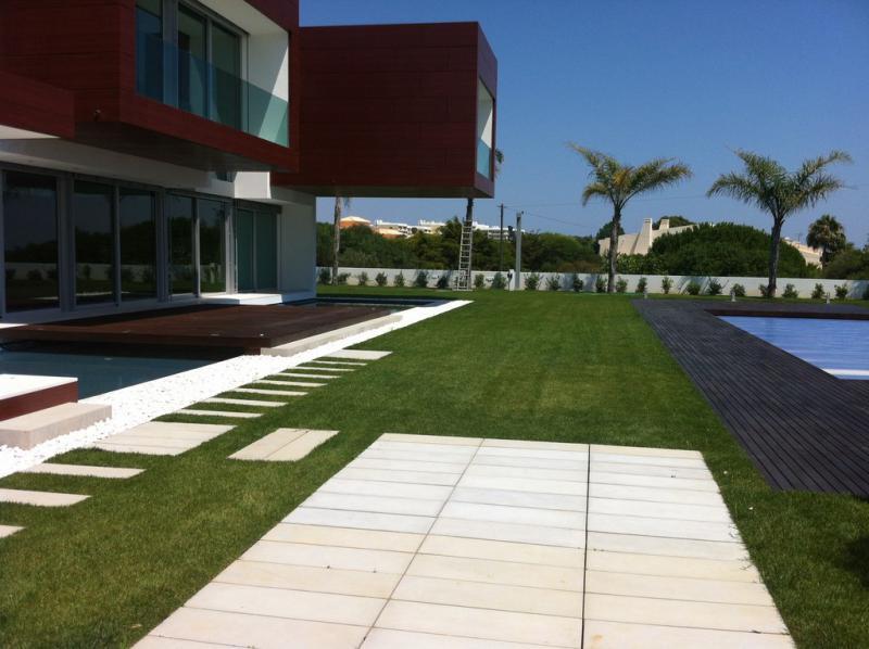 Amop private casa e jardim mobili rio de jardim for Pavimentos de jardin